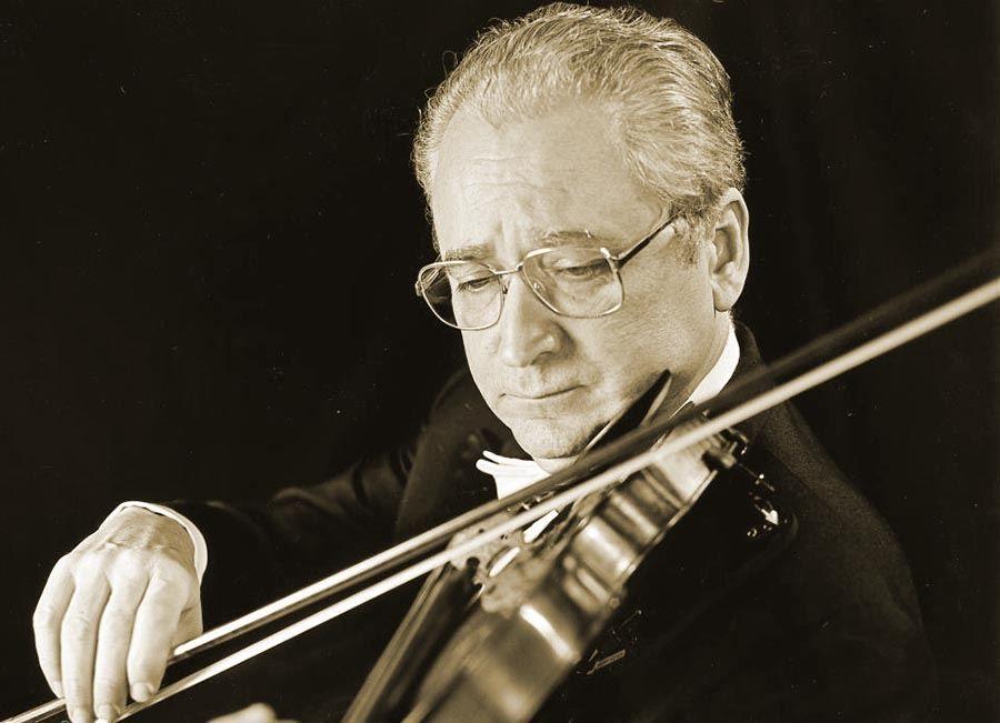 Excmo. Sr. D. Agustín León Ara