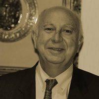 Excmo. Sr. D. Juan José Casares Long