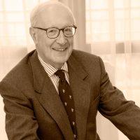 Excmo. Sr. Dr. D. Gerardo Fernández Albor